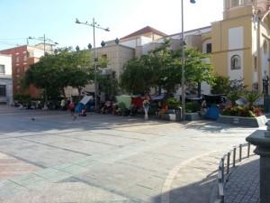 Migrants syiens campant sur la place des rois