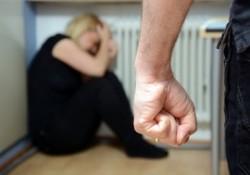 Violences conjugales: généralisation nationale du téléphone grave danger, alors que l'on dénombre encore 202 décès au sein des couples en 2014