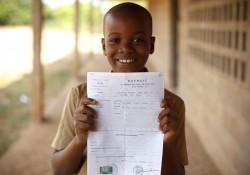 Enfants sans identité: des progrès encore trop insuffisants