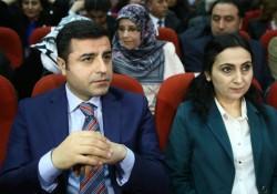 Solidaires des élus kurdes poursuivis, arrêtés, détenus en Turquie, nous les parrainons